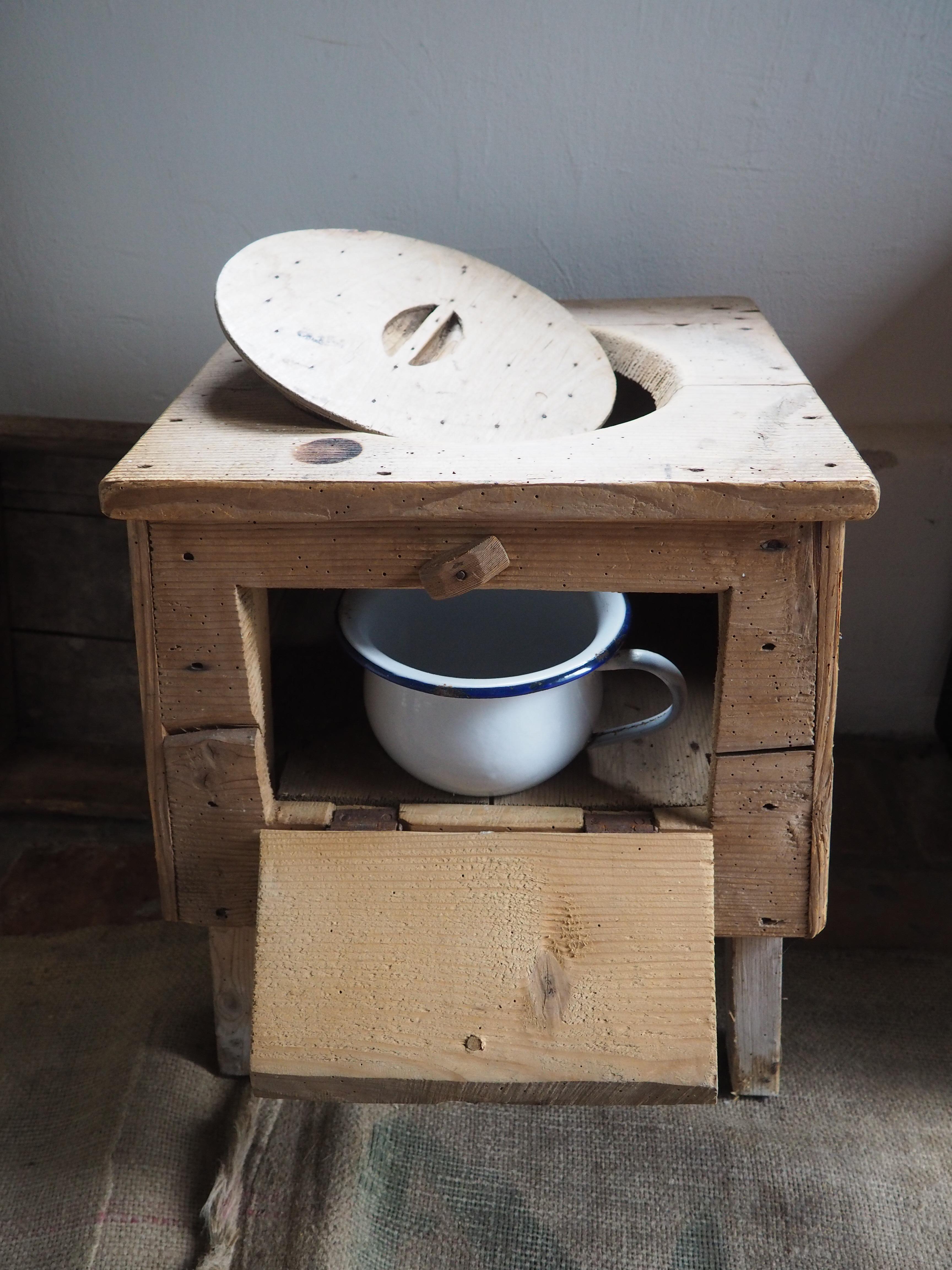 Houten wc met pot